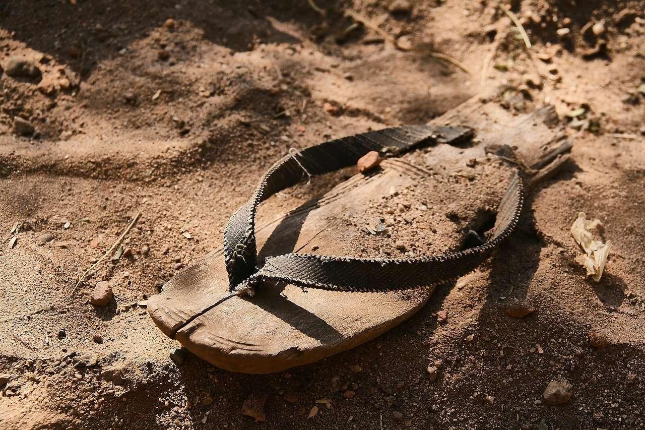 Dejar las viejas sandalias
