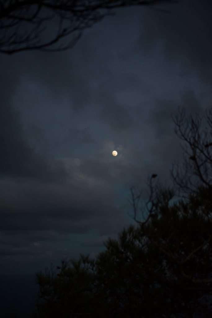 La luna siempre llena