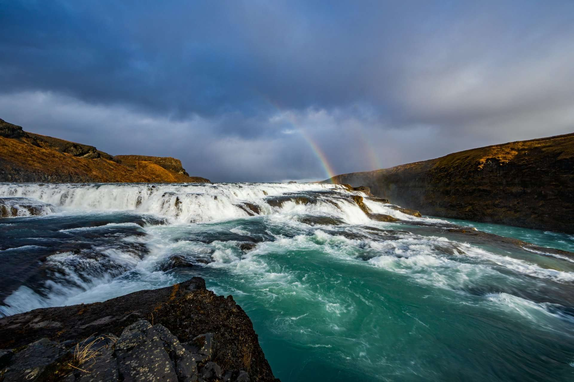 Sin habla dual y los ríos fluyendo hacia arriba